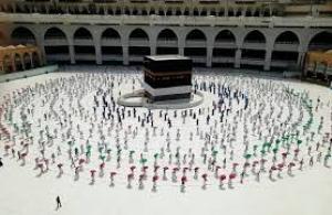 السعودية : الموافقة على أداء العمرة والزيارة تدريجيا من داخل المملكة