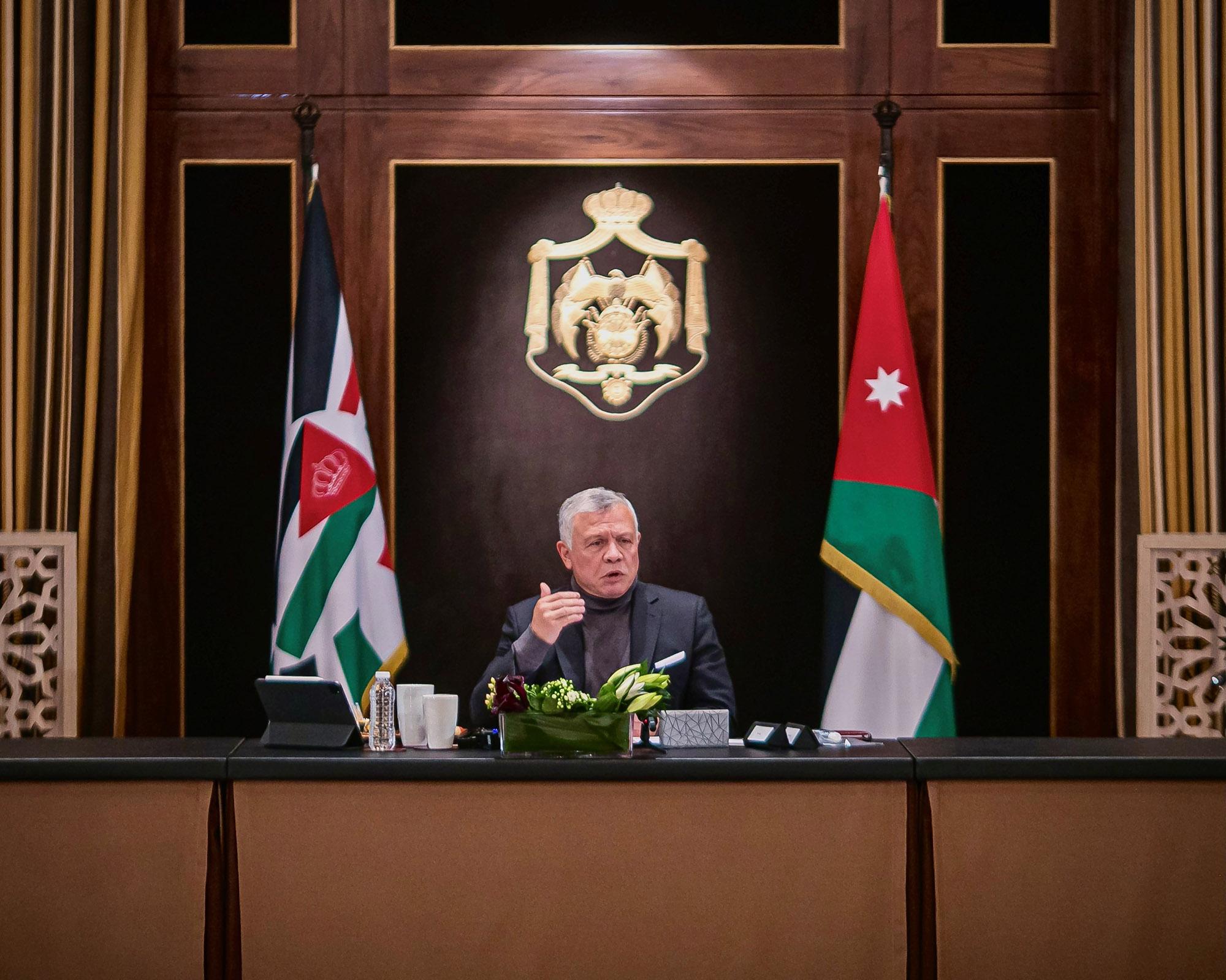 جلالة الملك يلتقي رئيسي مجلسي الأعيان والنواب وأعضاء المكتبين الدائمين في المجلسين