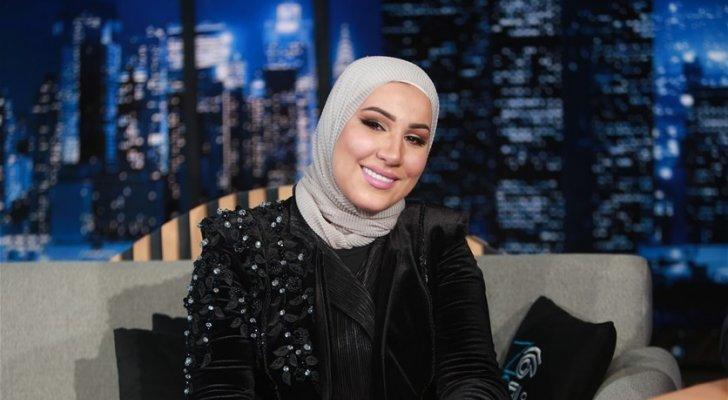 ما حقيقة خلع نداء شرارة للحجاب؟