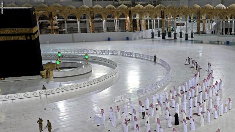 بموافقة الملك سلمان  ..  إقامة صلاة العيد في الحرمين غداً دون مصلين