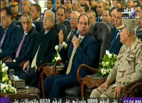 بالفيديو  ..  السيسي: من أراد العبث بمصر عليه أن يتخلص مني أولا