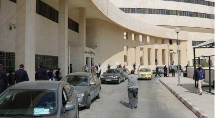 مصدر طبي: نسب إشغال أسرّة كورونا في مستشفيات الزرقاء الحكومي وفيصل وصلت إلى 100%