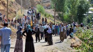"""تركيا تفتح حدودها للأكراد السوريين الفارين من """"داعش"""""""