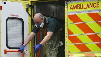 حصيلة وفيات جراء فيروس كورونا في بريطانيا تزيد 23% خلال يوم واحد