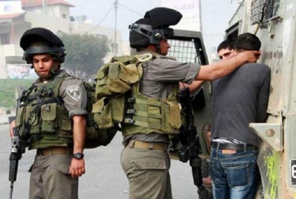 الاحتلال يستدعي مواطنيْن أحدهما أسير محرر ويداهم منازل في الخليل
