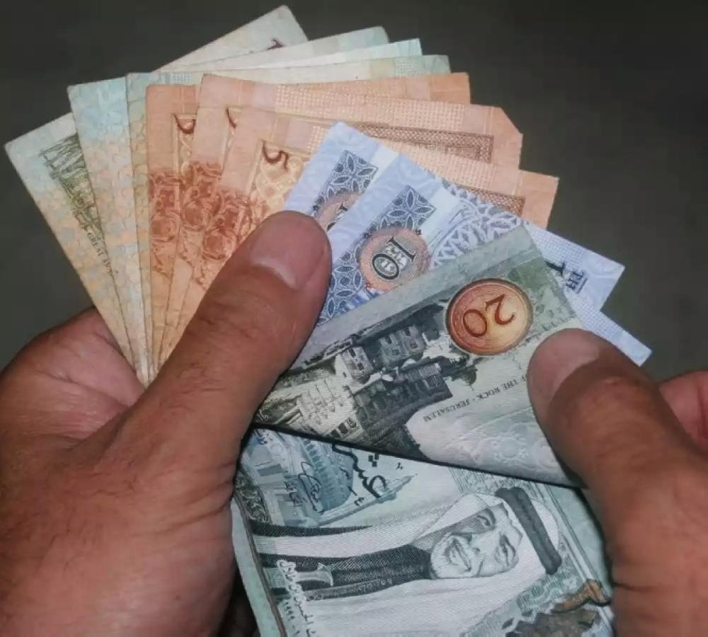 الحكومة تضع الأسر الفقيرة المستحقة للدعم النقدي في حيرة من أمرها