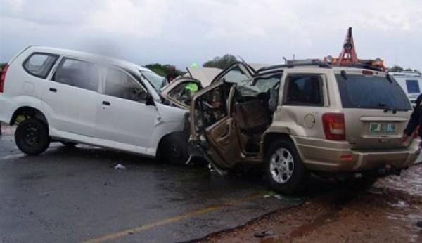 إصابة 10 مواطنين بجروح في حادث تصادم شمال أريحا