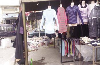 سوق البحارة ..  ملاذ العائلات الرمثاوية لشـراء ملابس العيد