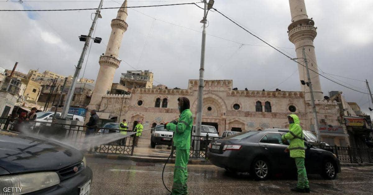 طبيب أردني يكشف مفاجأة بشان الحالة الوبائية في المملكة و الحظر الشامل  ..  تفاصيل
