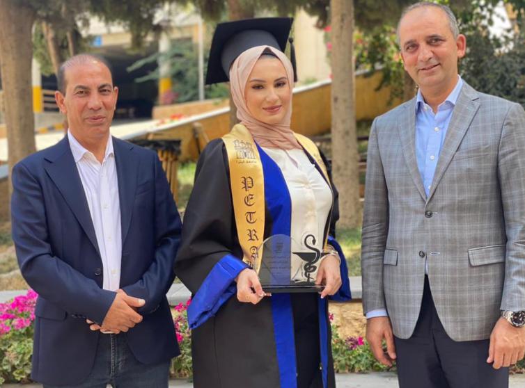"""تبارك النعيمي  ..  ألف مبارك التخرج بتقدير """"ممتاز"""""""