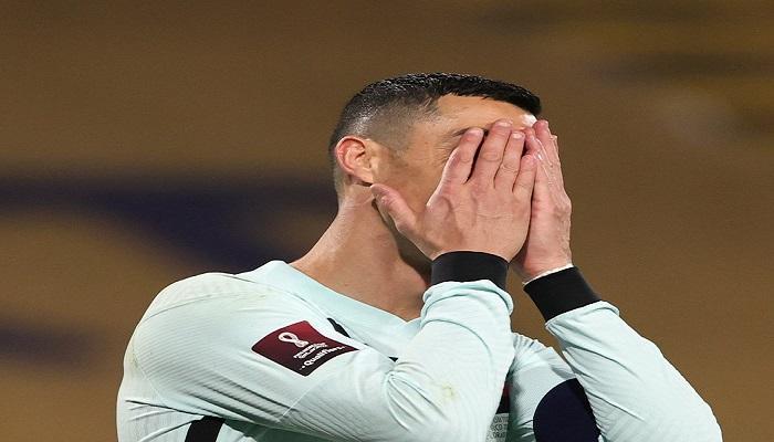 بالفيديو ..  رونالدو يثور ويغادر الملعب في سقوط البرتغال