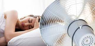 لهذه الأسباب الـ5 ..  لا تشغّل المروحة قبل النوم