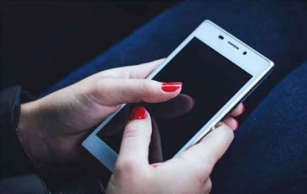 مكالمة هاتفية تقتل مصرية مُصابة بفيروس كورونا بطريقة غير متوقعة