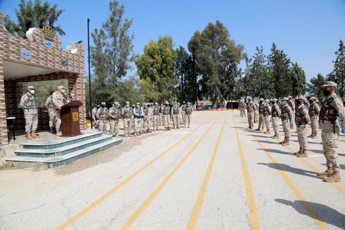 اللواء الحنيطي يزور المنطقتين العسكريتين الشمالية والشرقية
