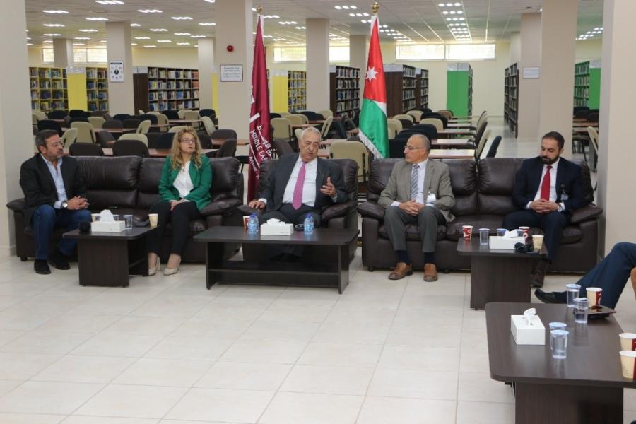 ناصر الدين يدعو الأكاديميين إلى التفاعل مع مخرجات اللجنة الملكية