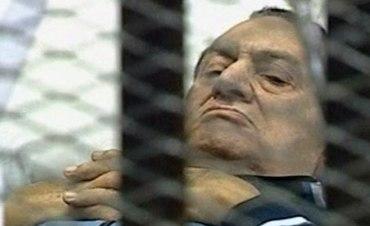 محامي مبارك: طبيبه الألماني كشف اصابته بالسرطان و تلقى تهديدات بالقتل اذا قدم الى مصر لاستكمال العلاج