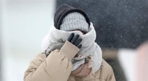 مدينة تشهد حرارة مرتفعة وتساقط الثلوج في نفس اليوم