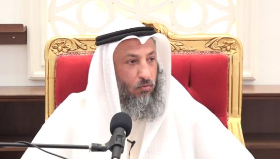 رجل لا يصلي ولايحج و لايصوم هل هو مسلم؟