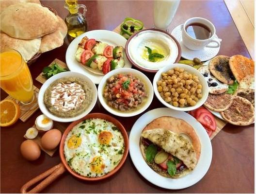 دراسة: تجاهل وجبة الفطور قد يكون