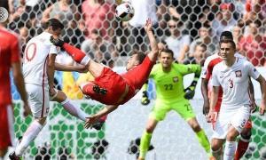 بولندا إلى ربع النهائي على حساب سويسرا بركلات الترجيح