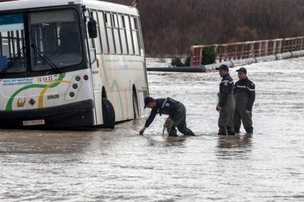 بالفيديو  ..  فيضانات مُرعبة تضرب تونس وتُخلف خسائر بشرية ومادية