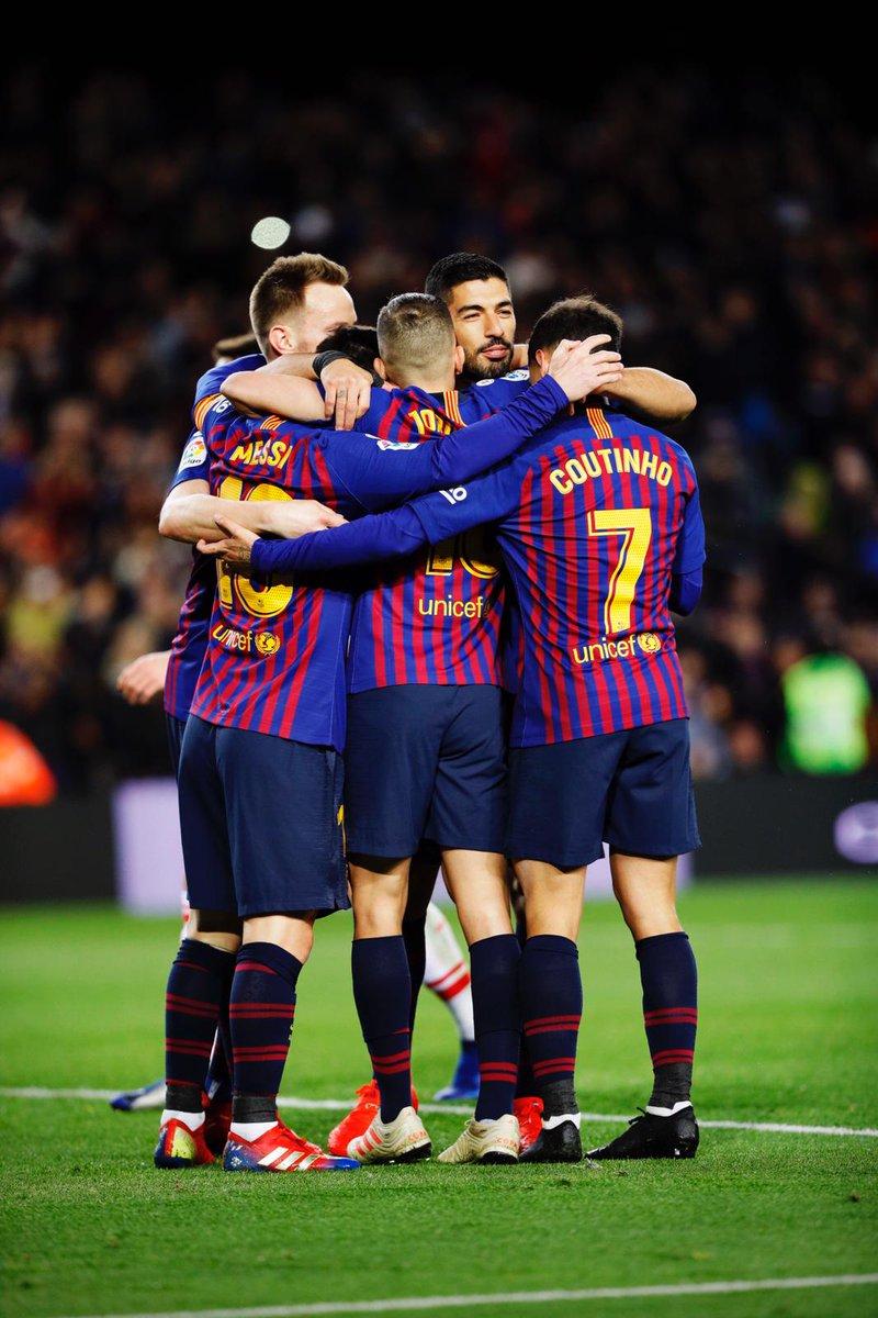 """بالصور  ..  برشلونة يكتسح إيبار وميسي يصل إلى الهدف رقم """"400"""""""