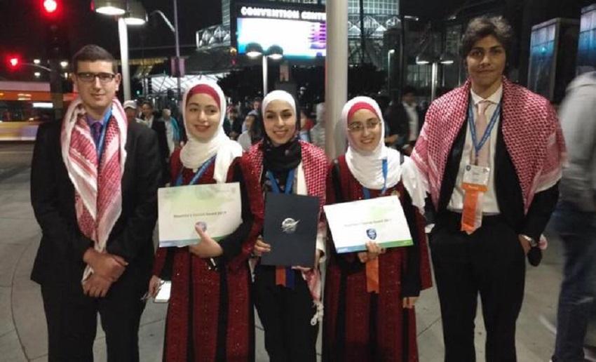 """طلاب أردنيون يحصدون مراكز متقدمة في مسابقة """"إنتل"""" العالمية"""