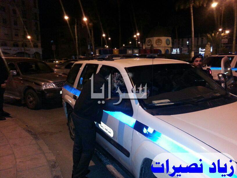 إربد : الأمن يلقي القبض على فارضي الخاوات بالقرب من دوار القبة - صور
