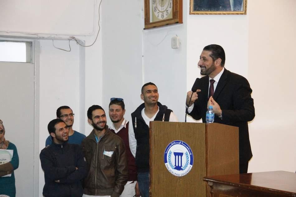 الدكتور محمد نوح يحاضر في جامعة فيلادلفيا