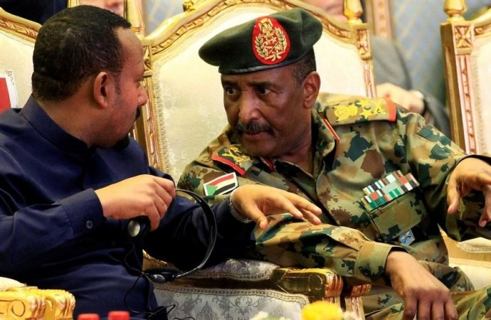 السودان: الجيش وتحالف المعارضة يشكلان مجلسا سياديا لقيادة المرحلة الانتقالية