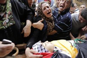 استشهاد طفل متأثراً بجراحه في غزة
