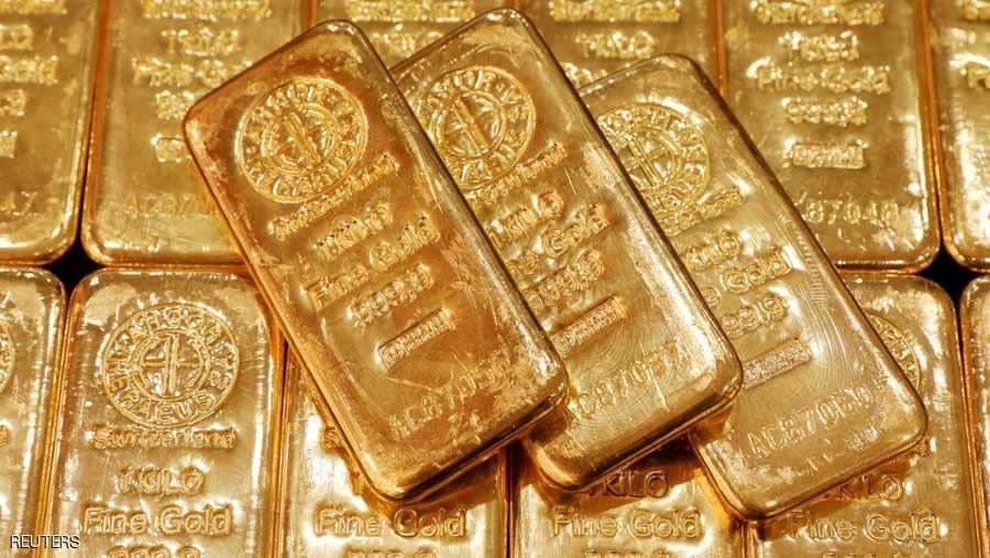 الذهب يرتفع بعد انخفاض الدولار تمهيداً لاتفاقية بين الصين وأميركا