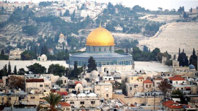 """قبور يهودية وهمية تحاصر """"الأقصى"""" وتهود تاريخ القدس"""
