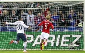 فرنسا تتعافى من التعثر أمام البرازيل بالفوز على الدنمارك