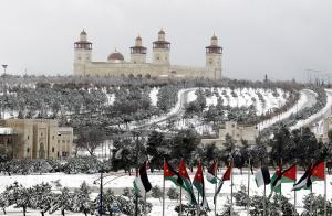 """المملكة على موعد مع منخفض جوي """"عميق"""" و خرائط عربية """"تتنبأ"""" بالثلوج  ..  تفاصيل"""