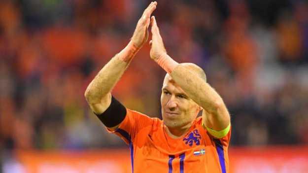 فشل هولندا بالتأهل إلى المونديال يدفع روبن للاعتزال دوليا