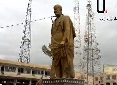 فيديو : لحظة سقوط تمثال حافظ الأسد في الرقة