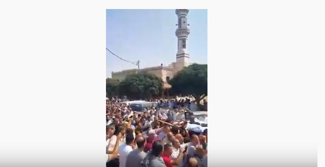 بالفيديو ..  الألاف يشيعون طبيب الفقراء الدكتور رضوان السعد في اربد