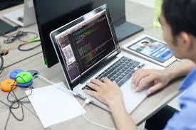 مطلوب مصمم و مطور ويب لشركة رائدة في الخليج