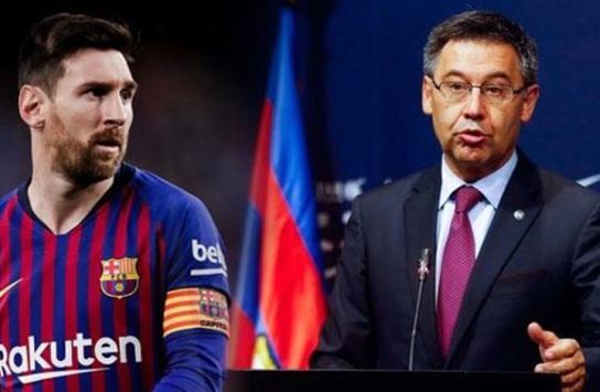 ميسي يرفض توقيع عقد مدى الحياة مع برشلونة
