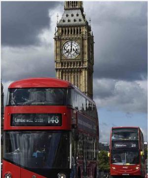 صور: عمال ينظفون ساعة بيج بن في لندن