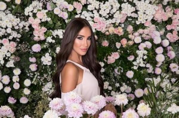 بالصور: وصيفة ملكة جمال لبنان تعانق شابا وتثير الجدل ..  هل هو حبيبها؟