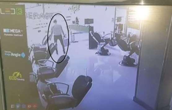 بالفيديو ..  شاهد لحظة موت لص خلال سرقته خزينة في مصر