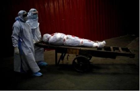 جثة متوفي بكورونا تبقى في الشارع لمدة أسبوع