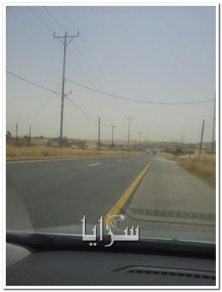 بالصور  ..  شوارع منطقة رحاب -بلعما مضاءة في وضح النهار