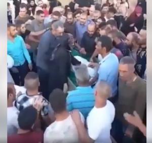 فيديو صادم في لبنان لشخص اكتشف ذووه أنه حي بينما كانوا يهمّون بدفنه
