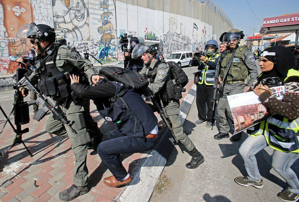 نقيب الصحفيين الفلسطينيين: عشرات الصحفيين الفلسطينيين تعرضوا لإصابات بالغة من اعتداءات قوات الاحتلال الإسرائيلي
