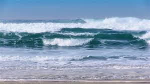 طوفان البحر في المنام ..  هل يجب أن يقلقك؟