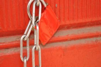 اغلاق 3 مصانع للباطون الجاهز في عمان