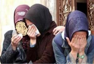 عرض فتاة سورية للبيع امام الناس